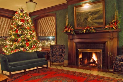 Christmas in Penn Wells Hotel Lobby