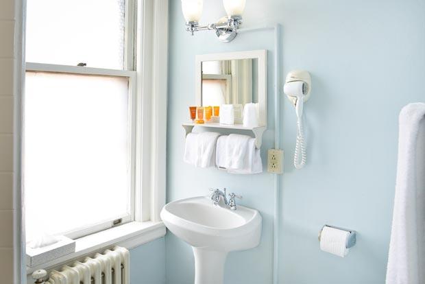 Historic Penn Wells Hotel Guest Bath